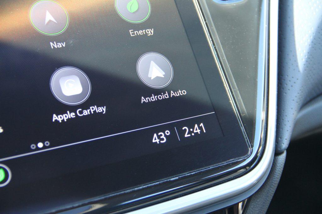2022 Bolt EUV infotainment apple carplay android auto