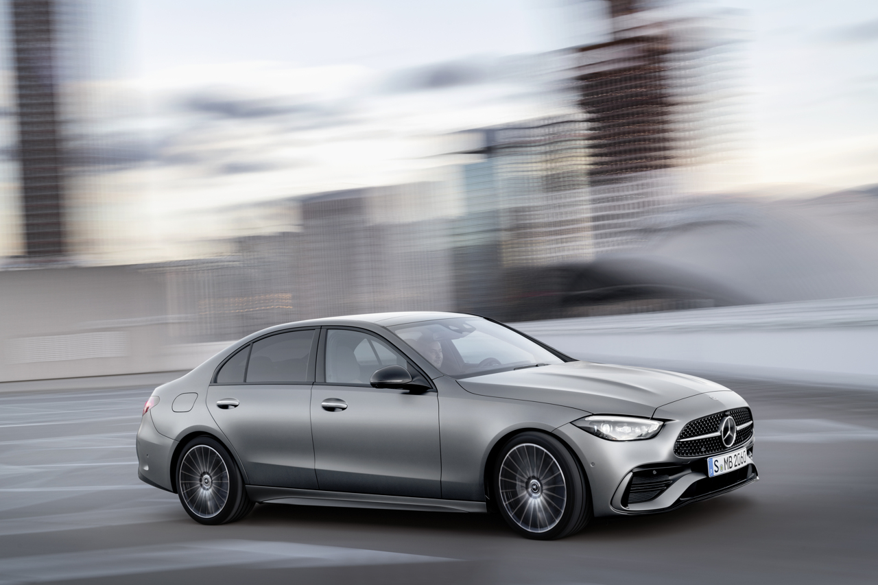 2021 Mercedes-Benz C-Class action side
