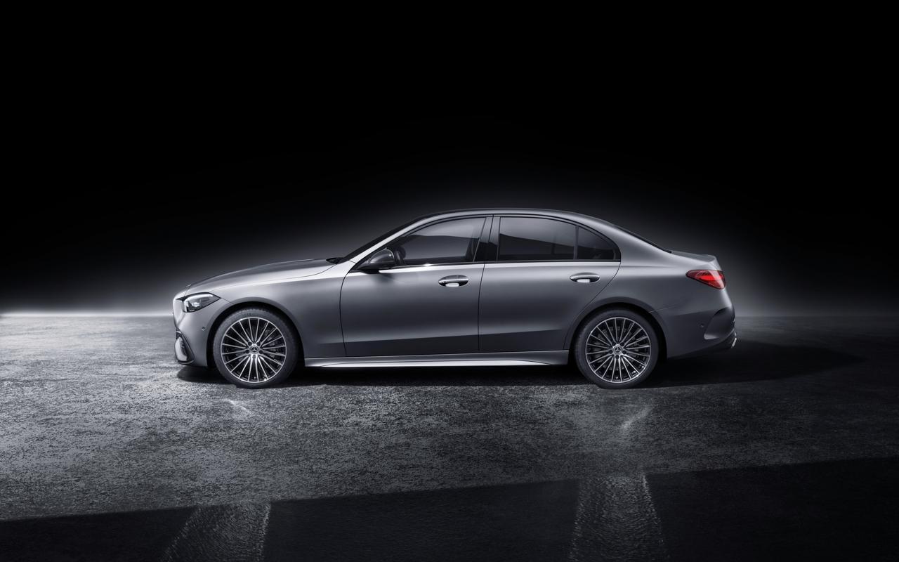 2021 Mercedes-Benz C-Class studio 8