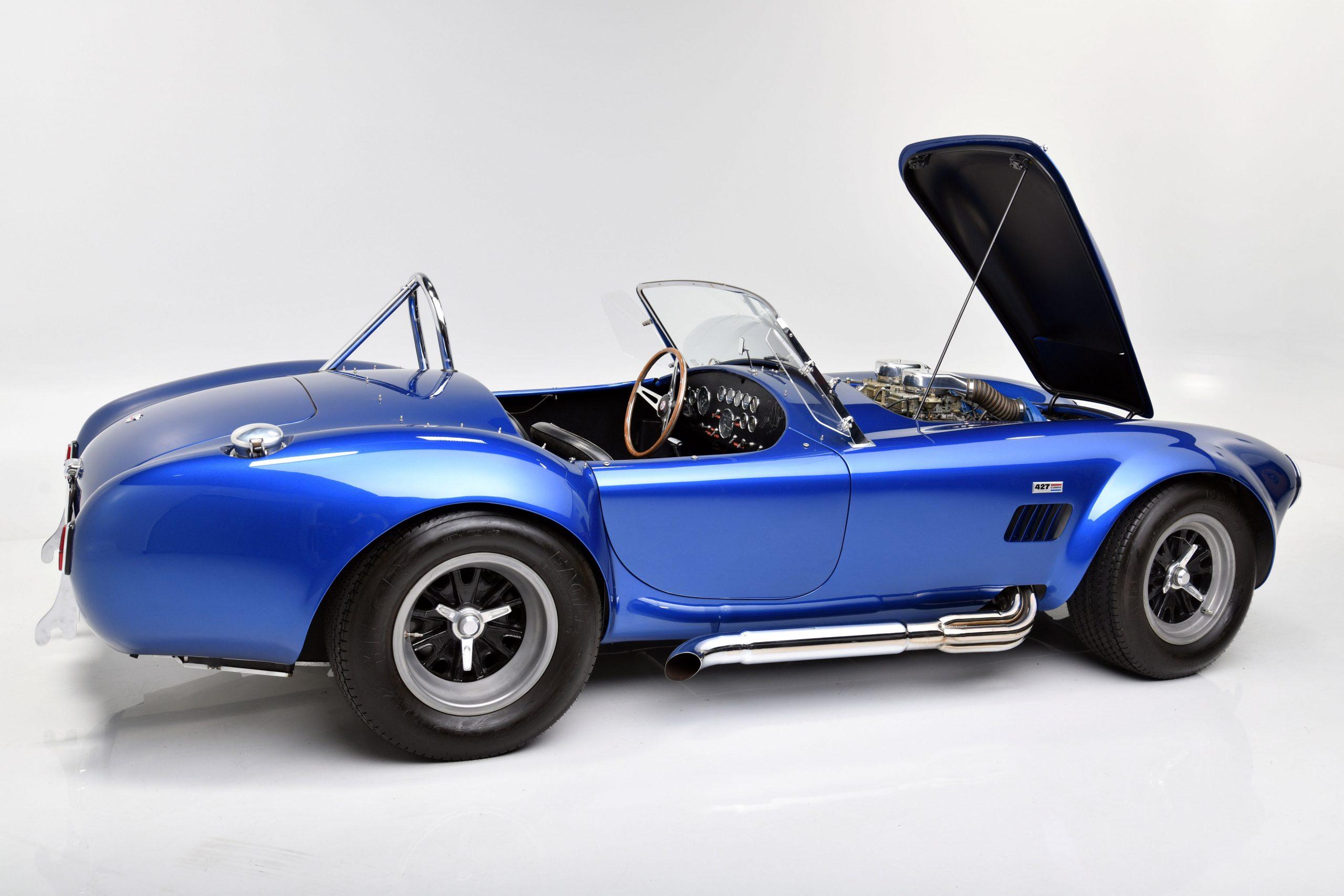 CSX 3015 Shelby Cobra side profile