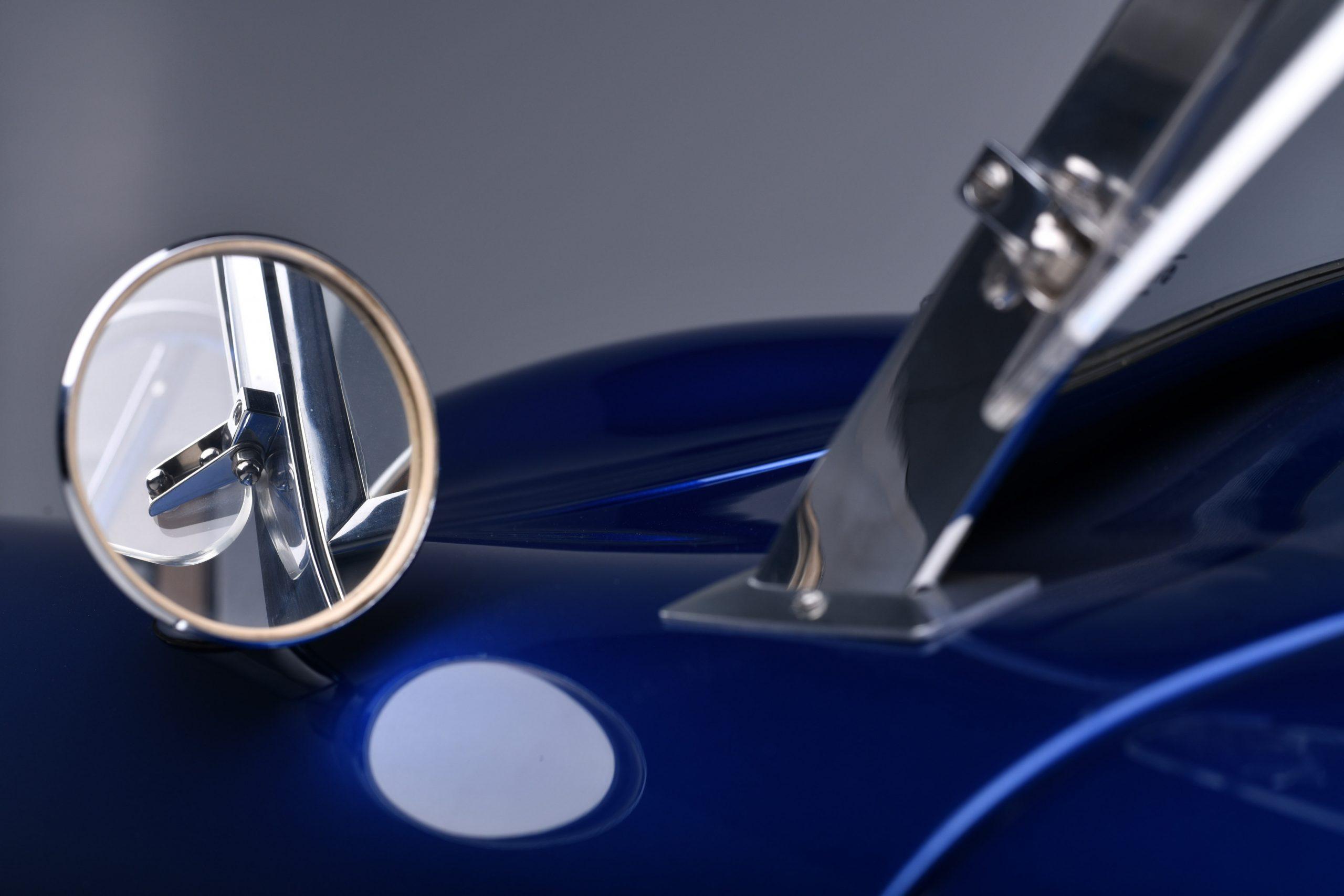 CSX 3015 Shelby Cobra side mirror detail