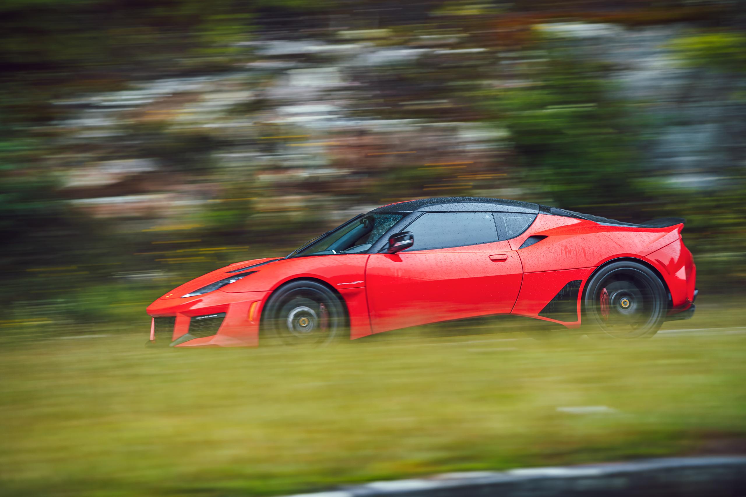 Lotus Evora GT side profile action