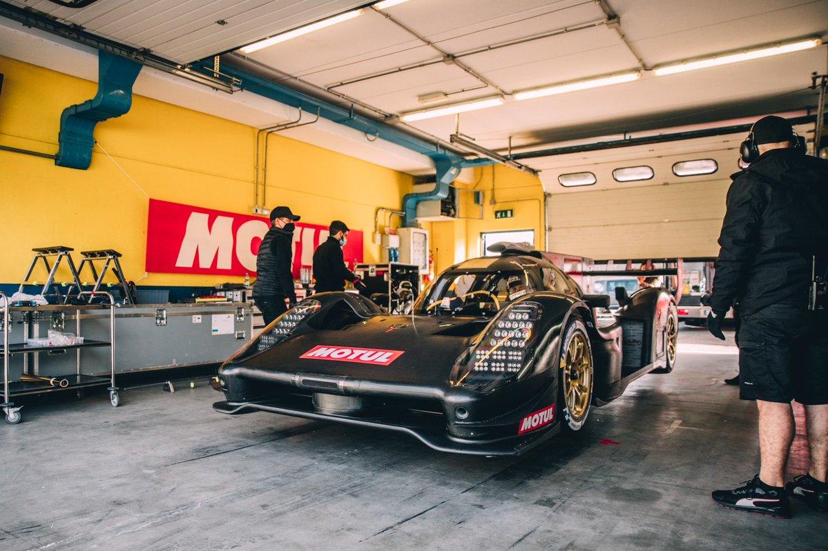 Glickenhaus 007 LMH testing Vallelunga 2021 reveal garage lift