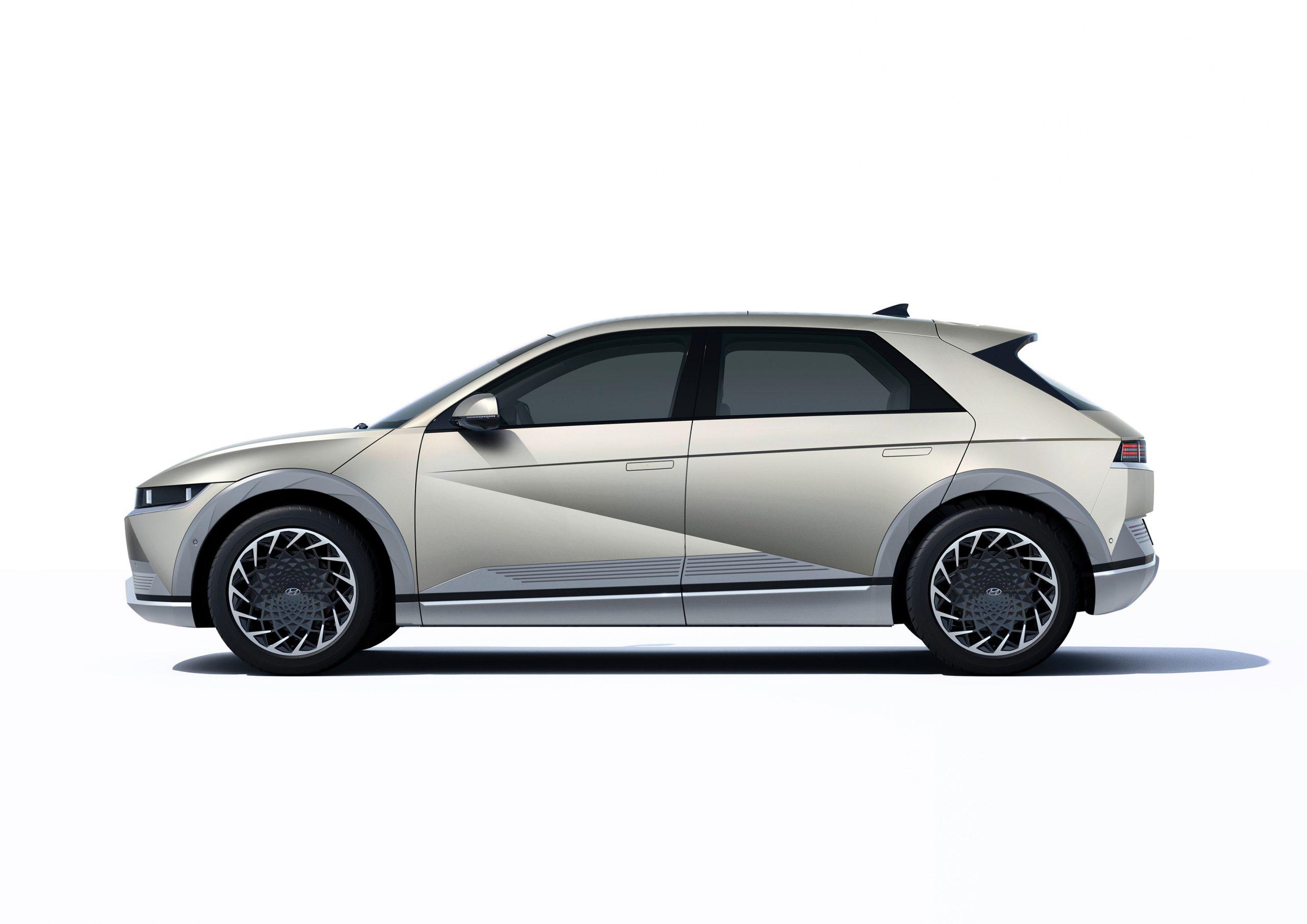 Hyundai IONIQ 5 studio profile