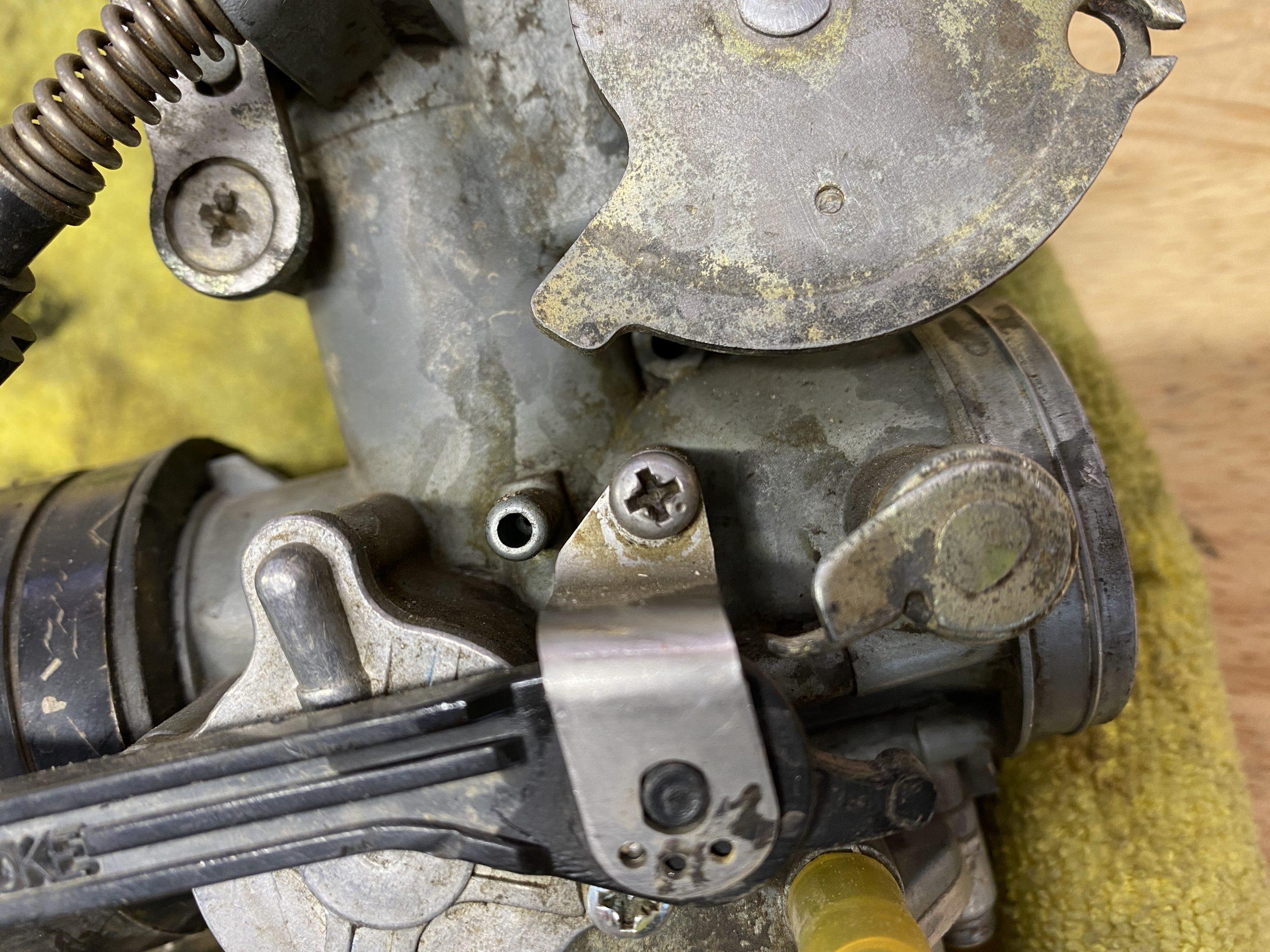 JIS screw in Honda Carb