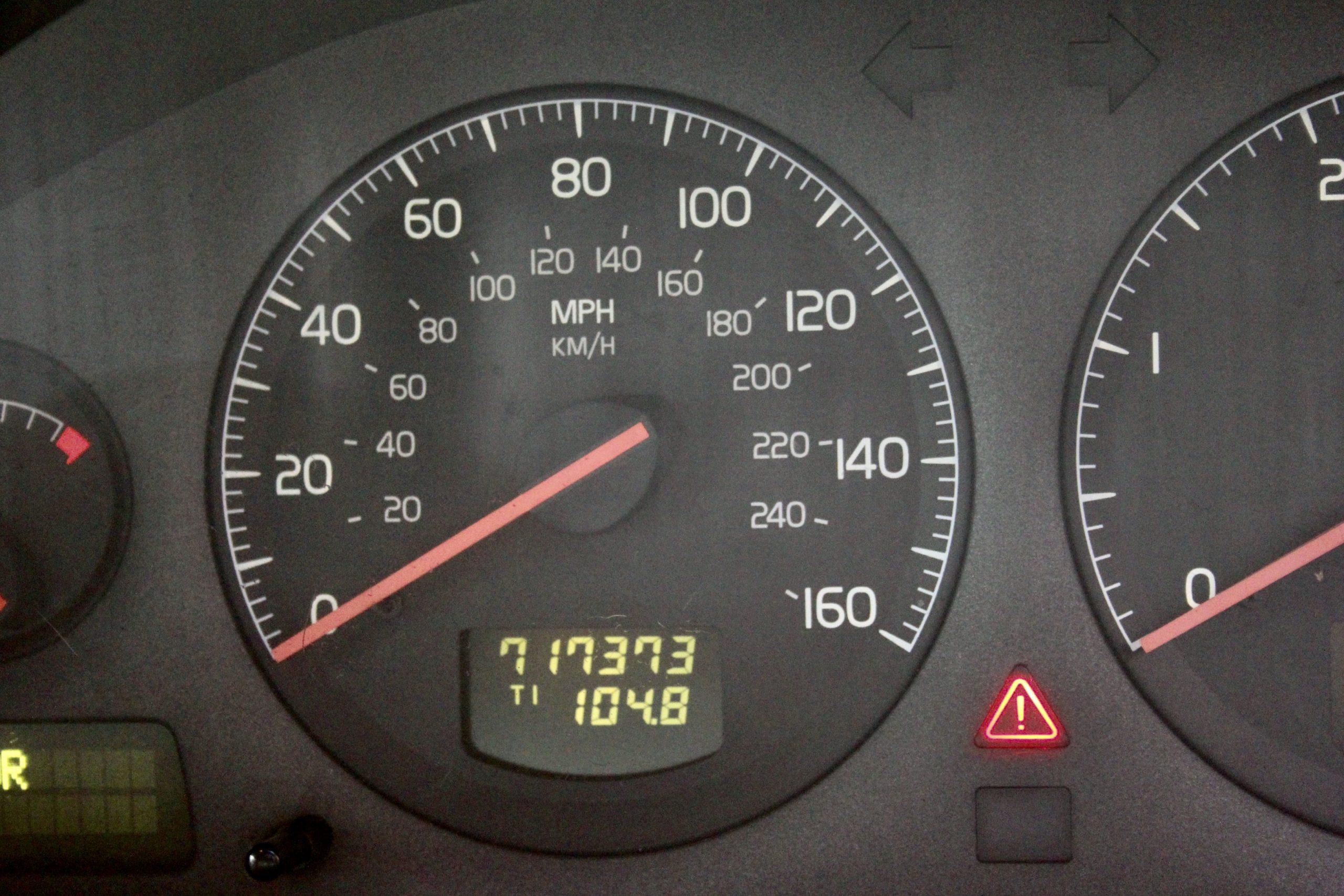Bargain Cars Volvo S80 speedo gauge