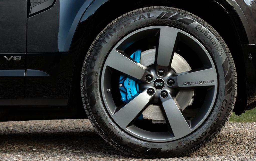 2022 Land Rover Defender V8 wheel brake