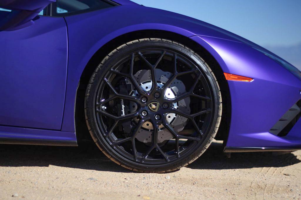 2020 Lamborghini Evo RWD front wheel brake