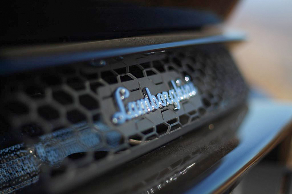 2020 Lamborghini Evo RWD rear logo