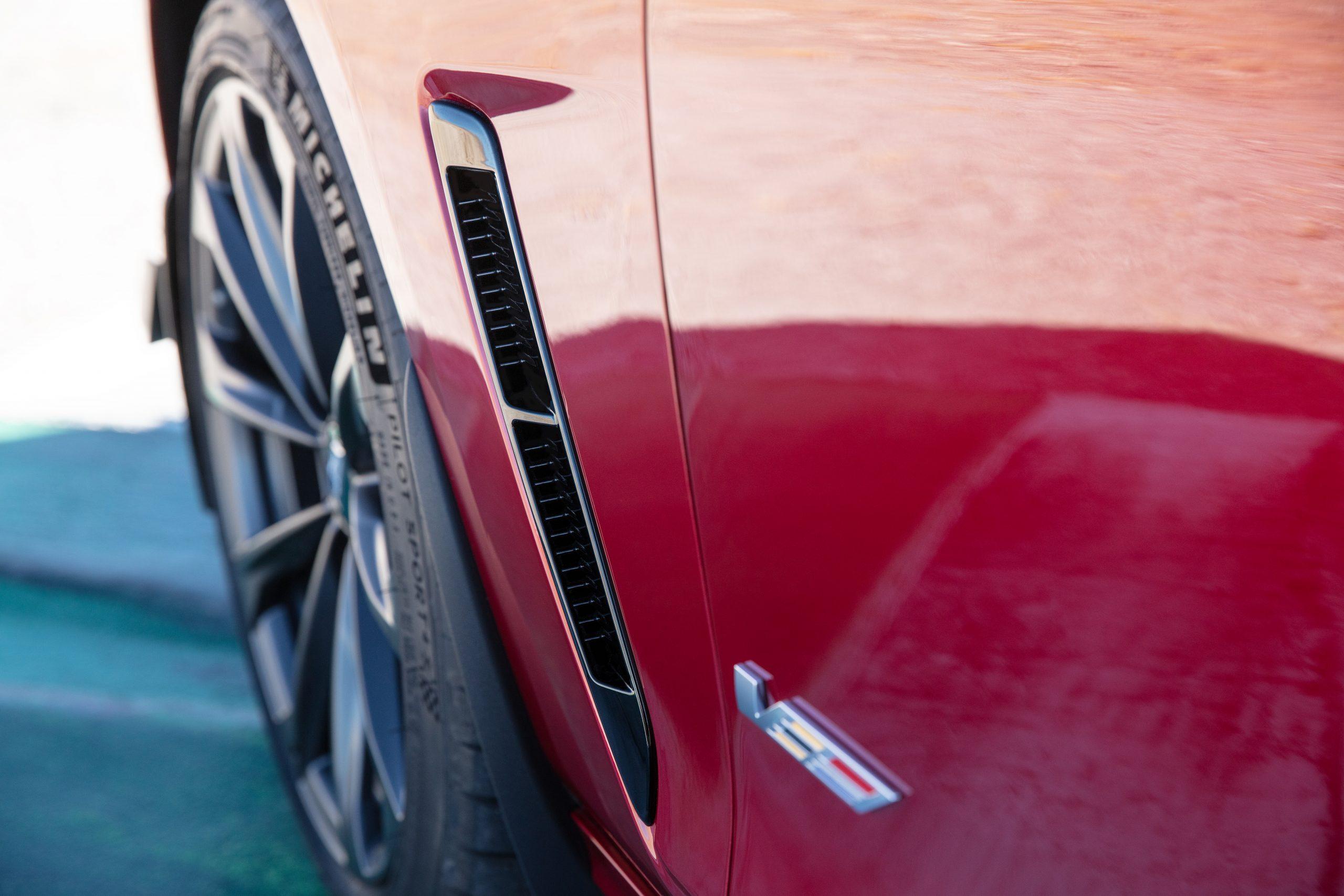 2022 Cadillac CT4-V Blackwing fender vent