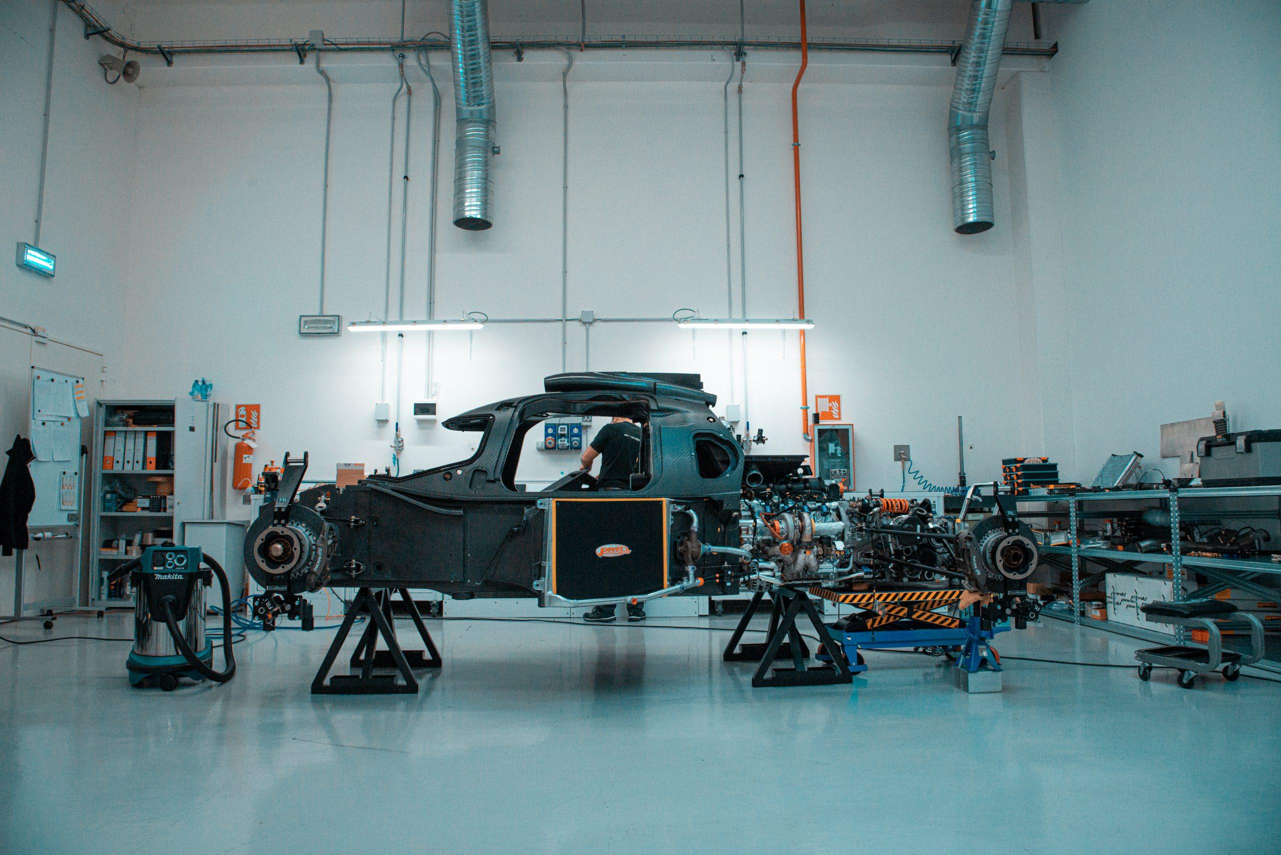 SCG Scuderia Glickenhaus 007 Hypercar LMH monocoque engine
