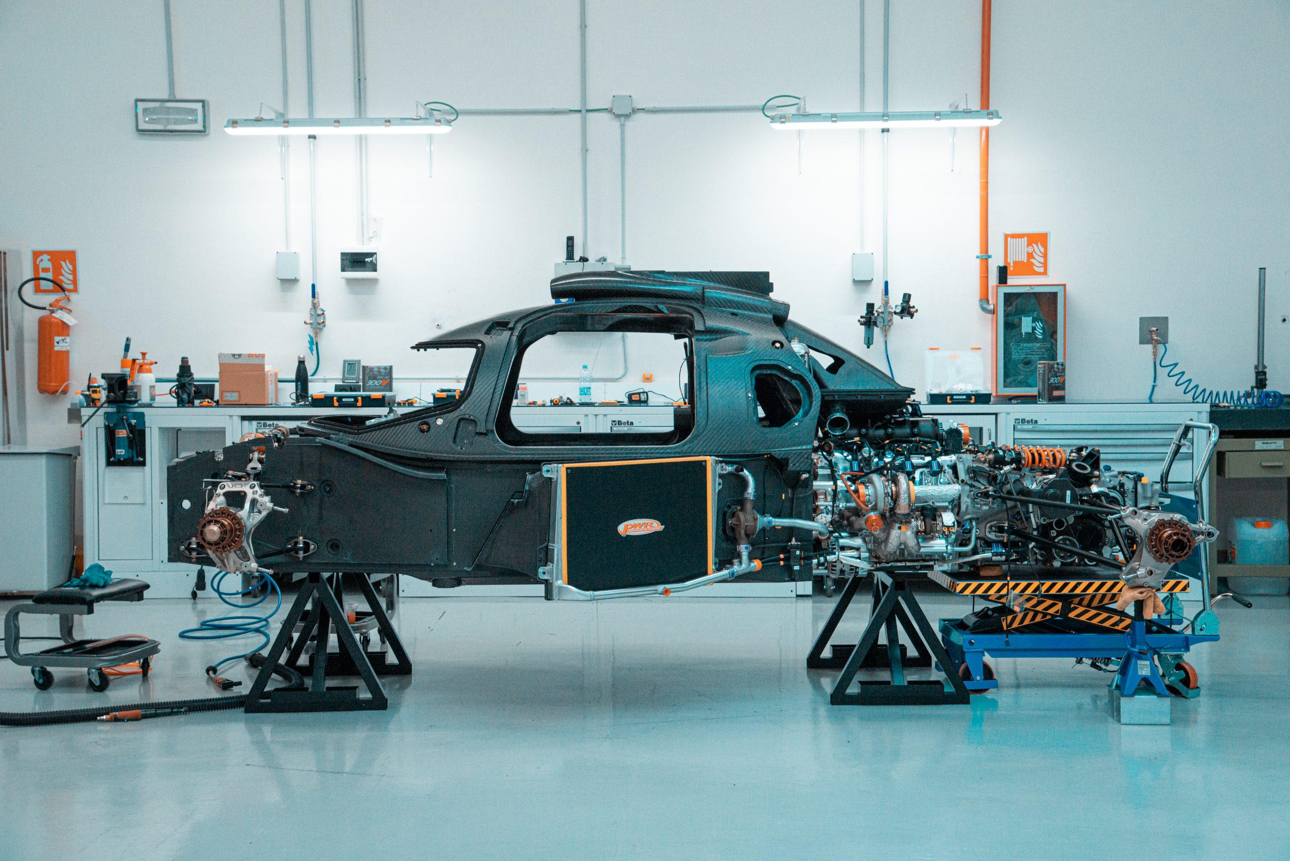 Glickenhaus 007 Hypercar LMH profile chassis engine monocoque