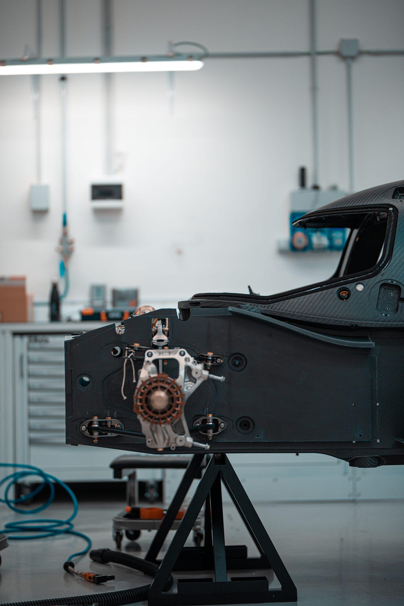 Glickenhaus 007 Hypercar LMH monocoque front axle