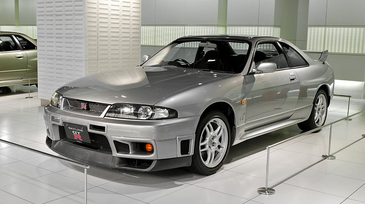 Nissan_Skyline_R33_GT-R V-spec Nissan Ginza Gallery
