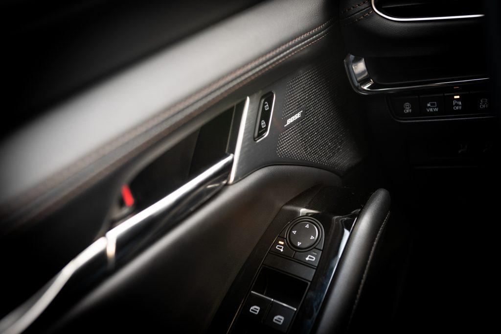 2021 Mazda 3 2.5T AWD interior door panel details