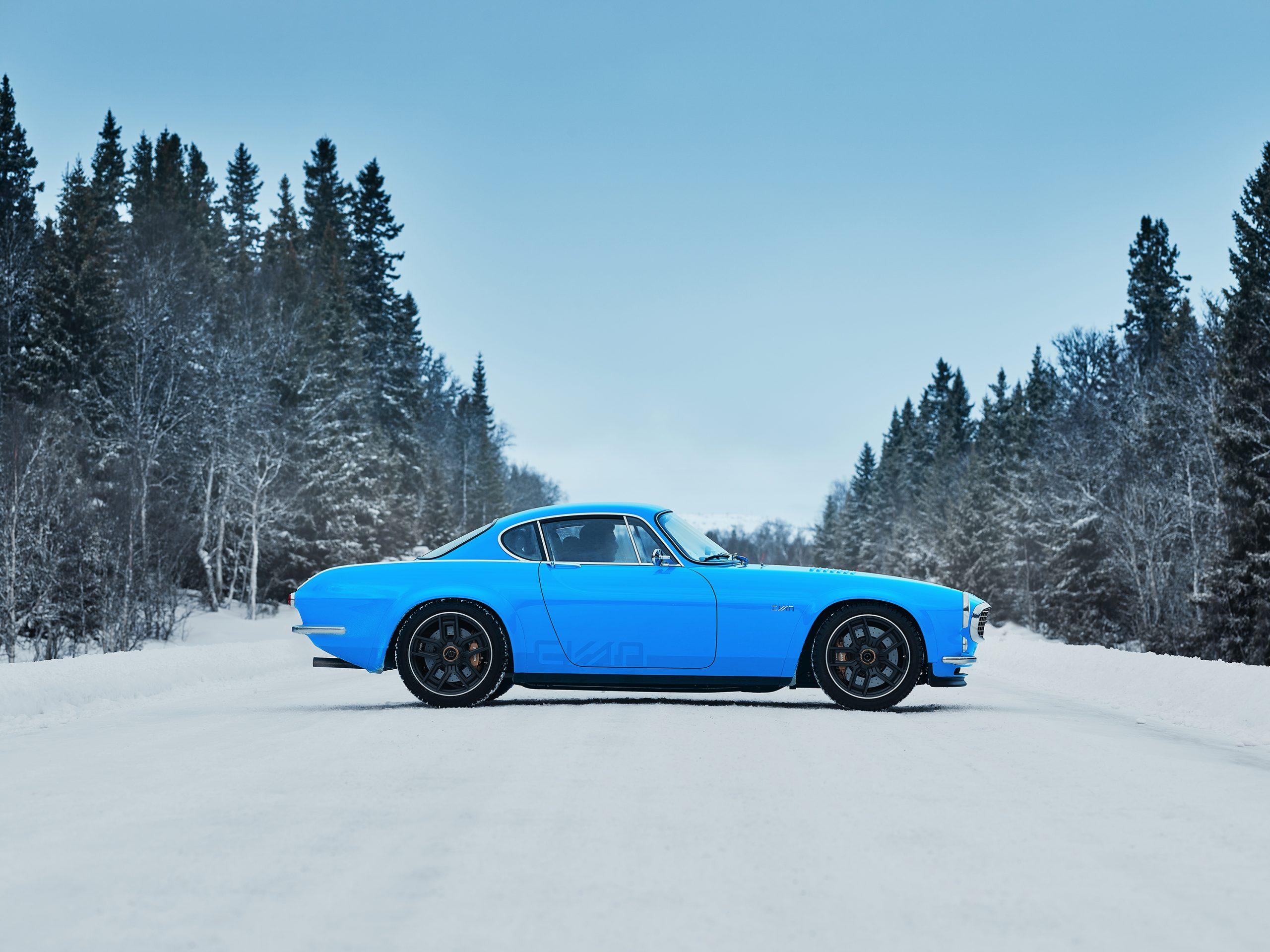 Cyan Racing P1800 in the snow 2