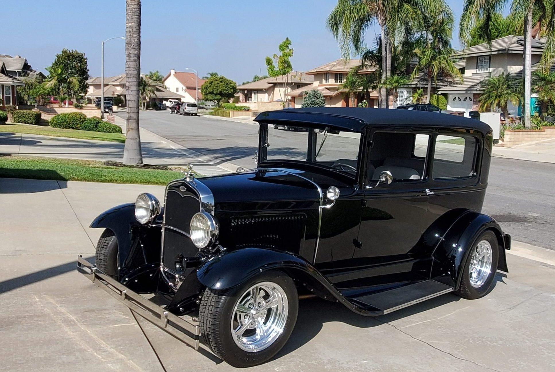 1931 Ford Tudor Model A hot rod front