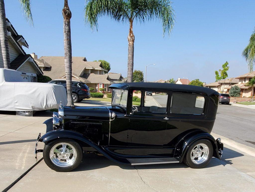 1931 Ford Tudor Model A hot rod profile