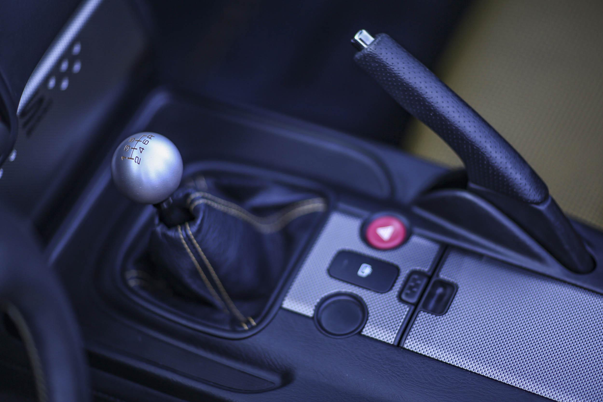 2008 Honda S2000 CR shifter