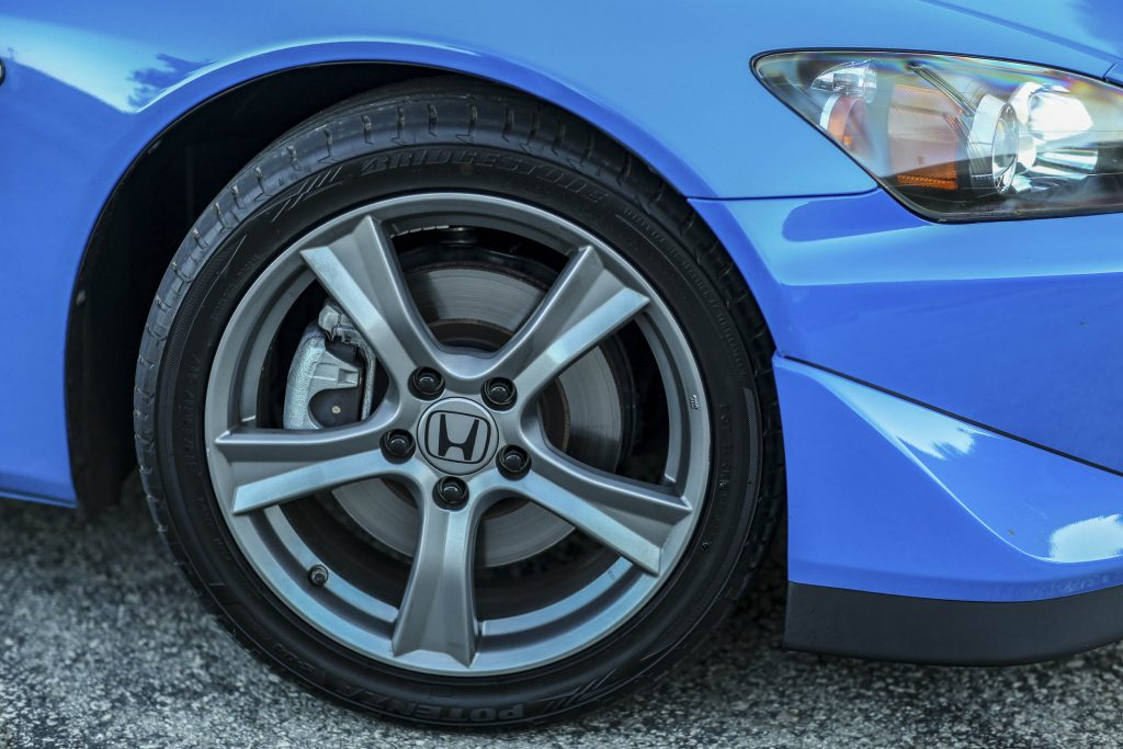 2008 Honda S2000 CR front wheel brakes