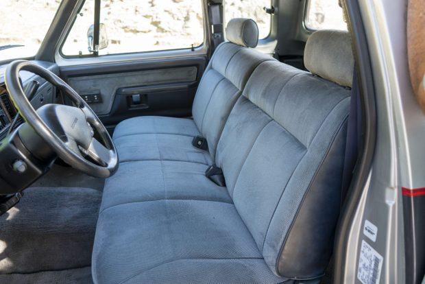 1992 Dodge D250 Club Cab interior