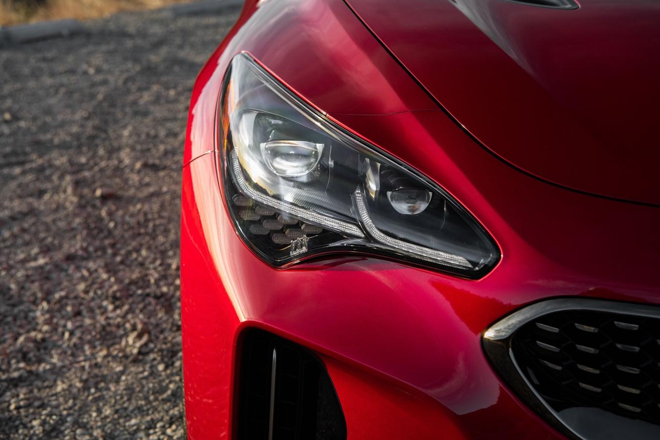 2022 Stinger GT headlight