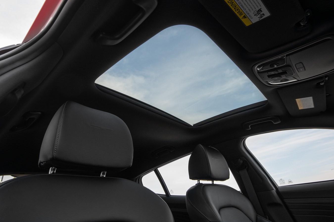 2022 Stinger GT skylight