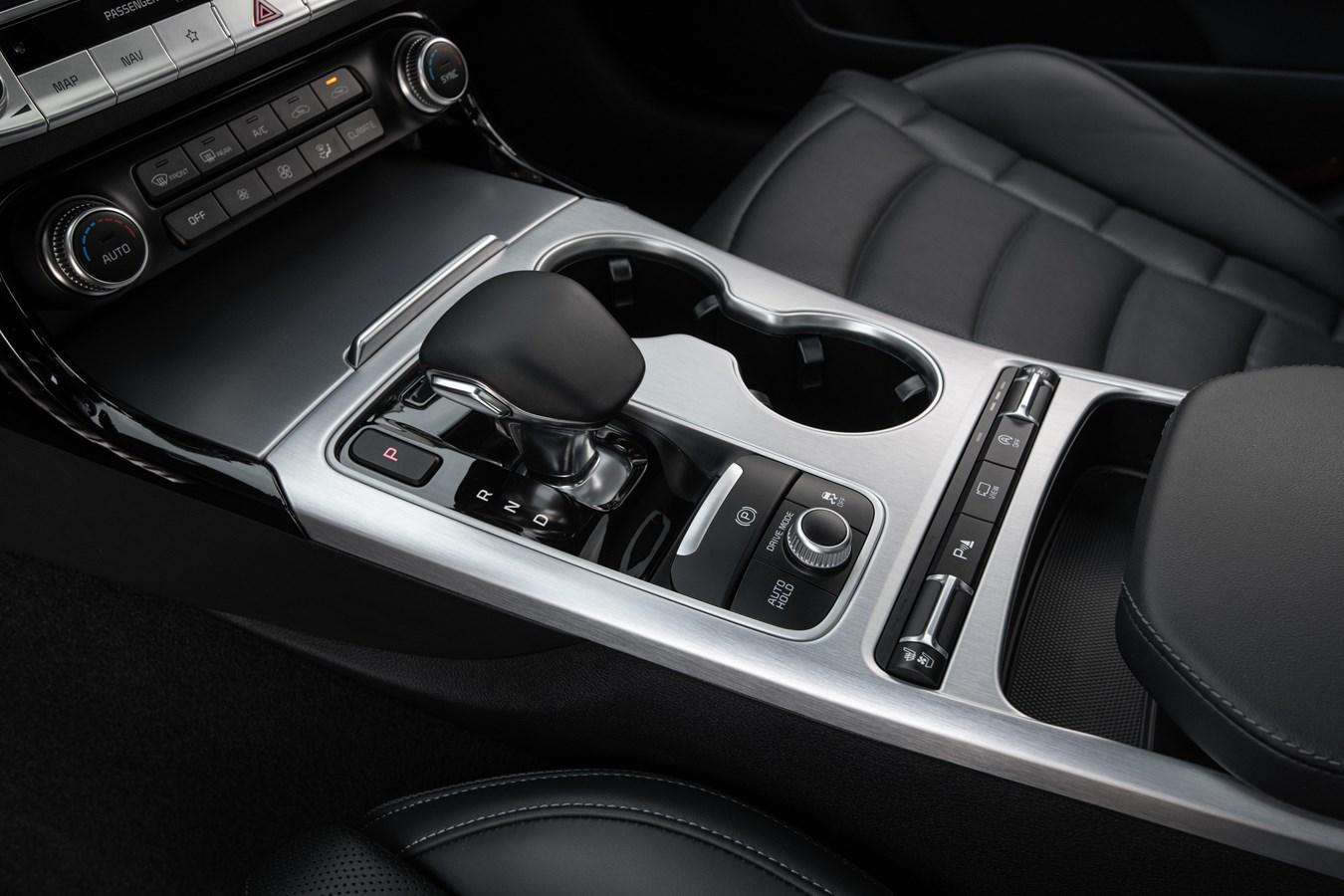 2022 Stinger GT center console gear selector