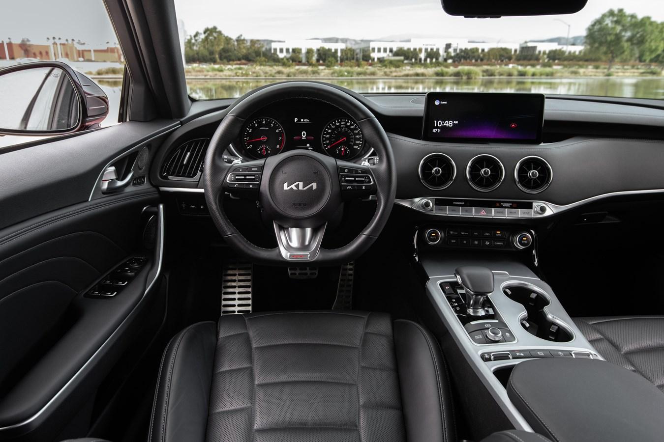 2022 Stinger GT interior drivers cockpit