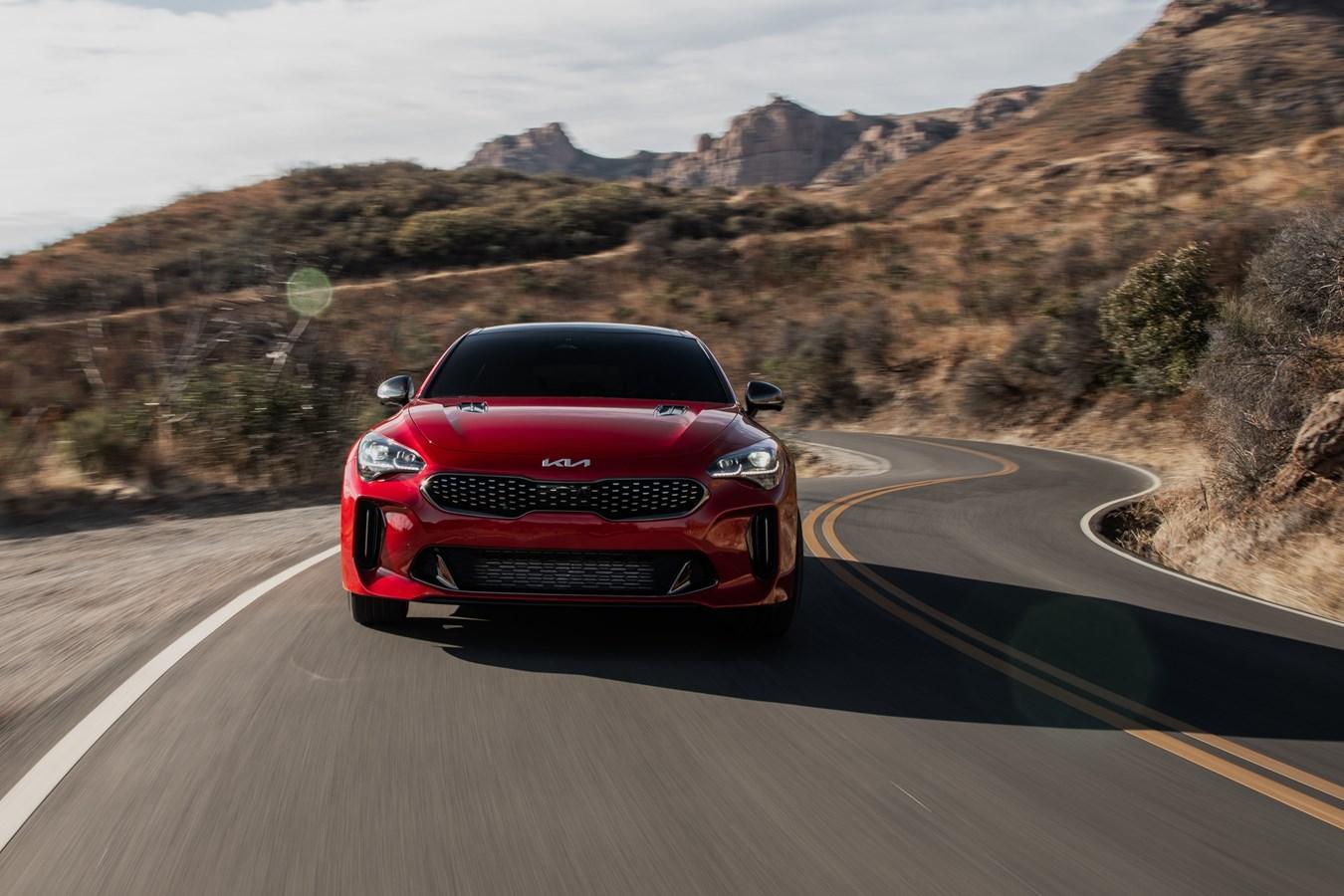 2022 Stinger GT front dynamic action