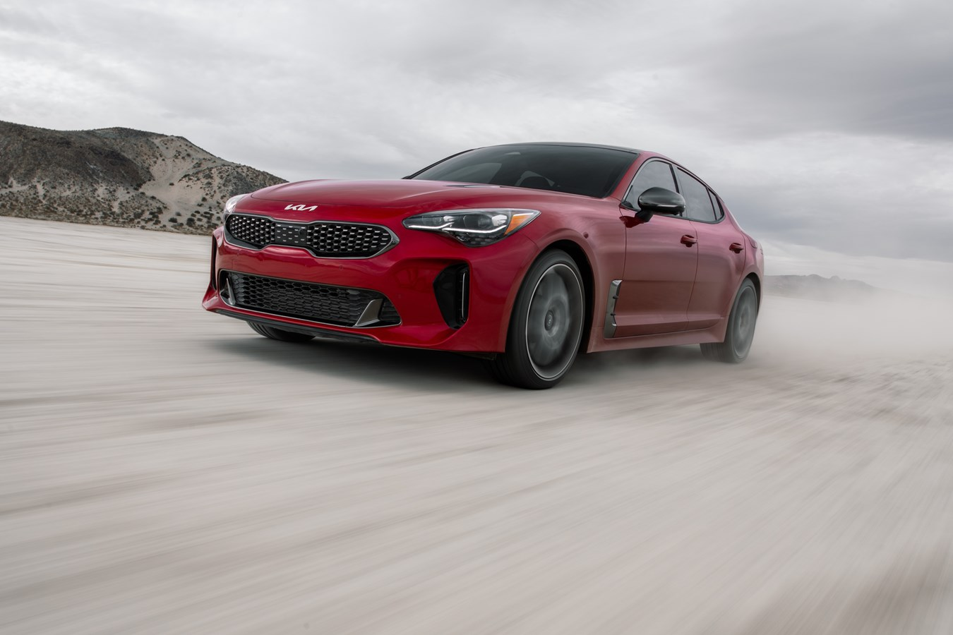 2022 Stinger GT front three-quarter dynamic flats action