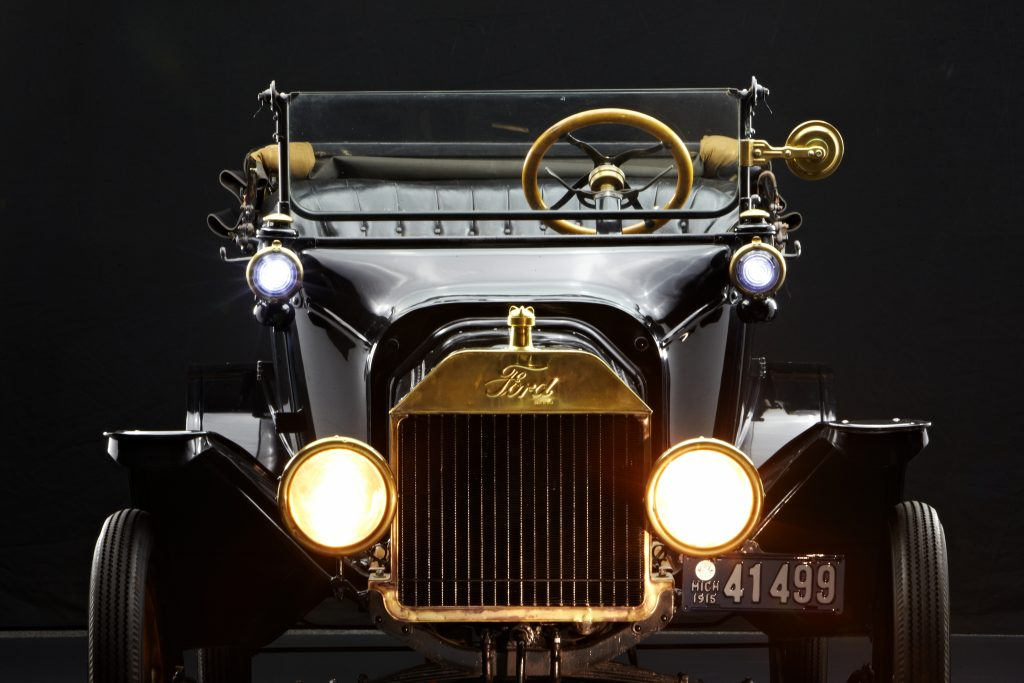 1915 Ford Model T Front