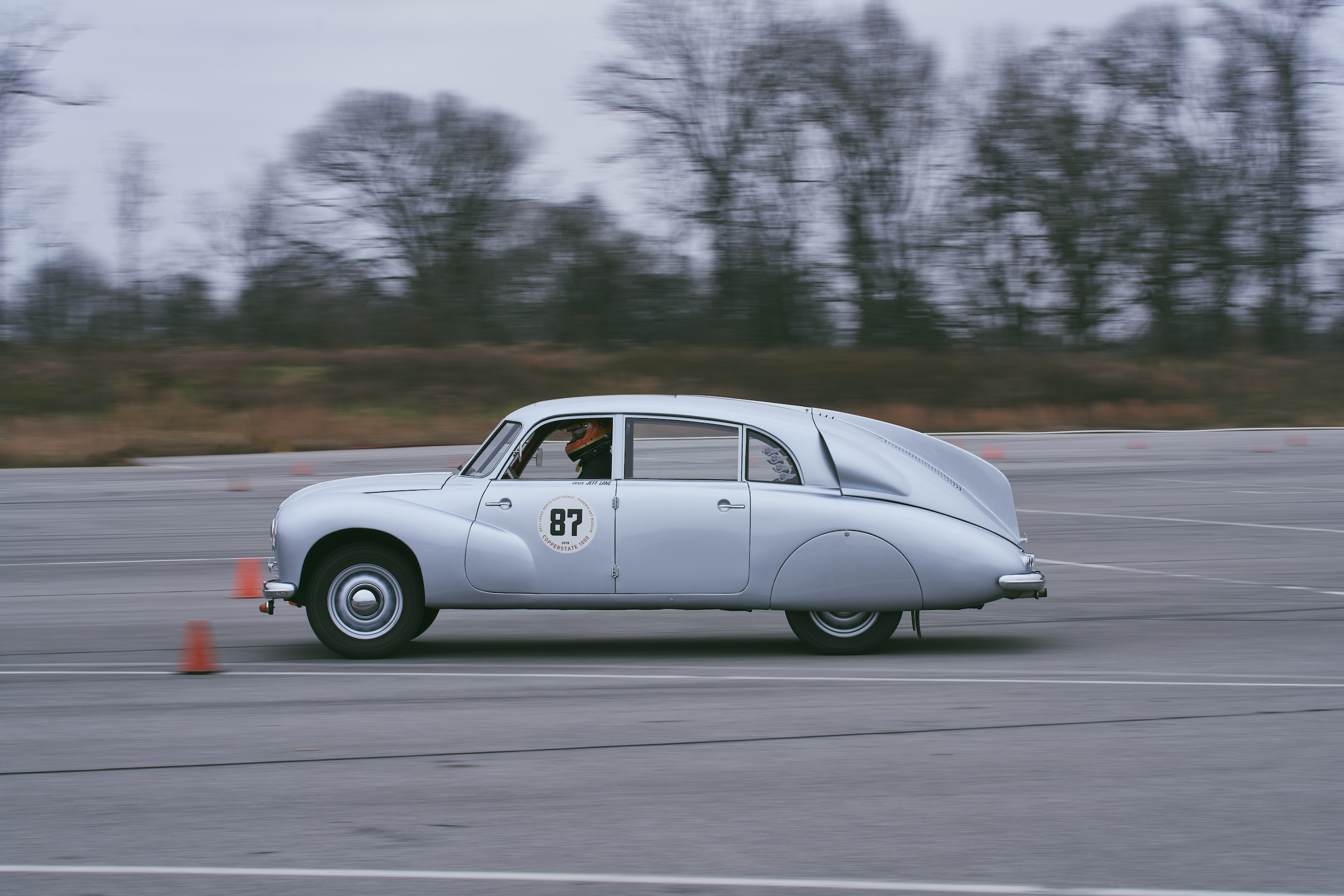 1947 Tatra T87 side profile track action