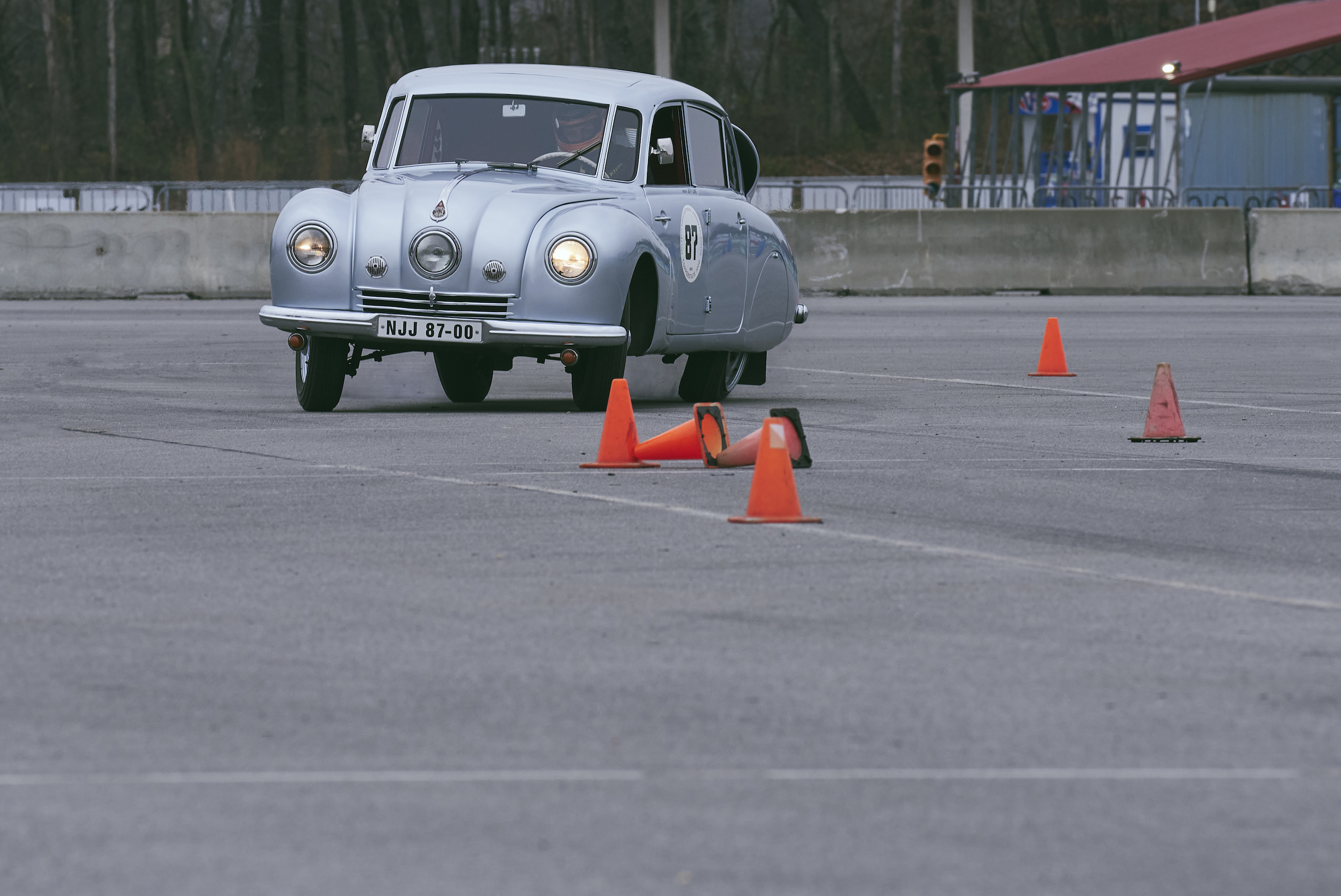 1947 Tatra T87 front three-quarter track action