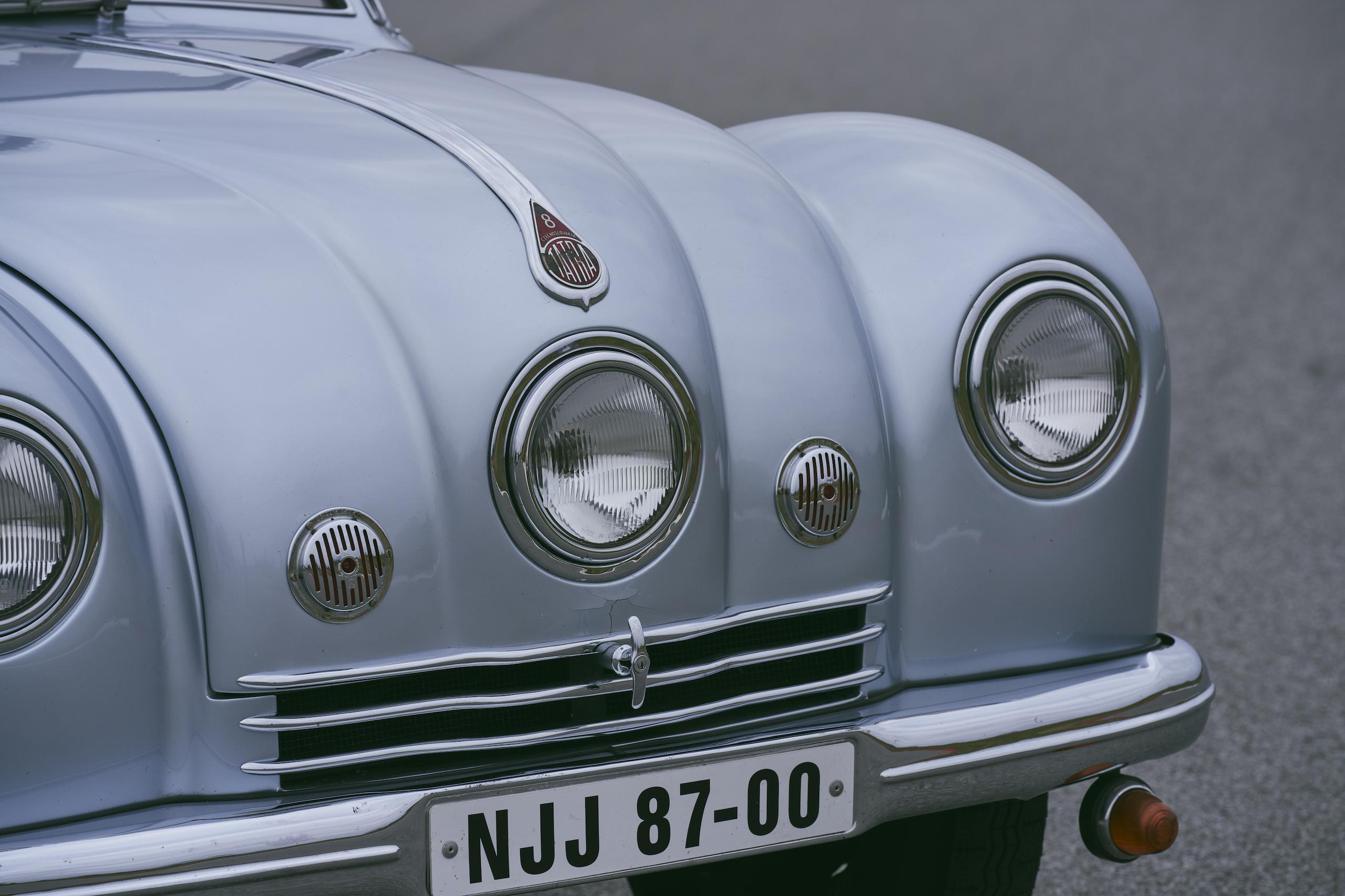 1947 Tatra T87 front