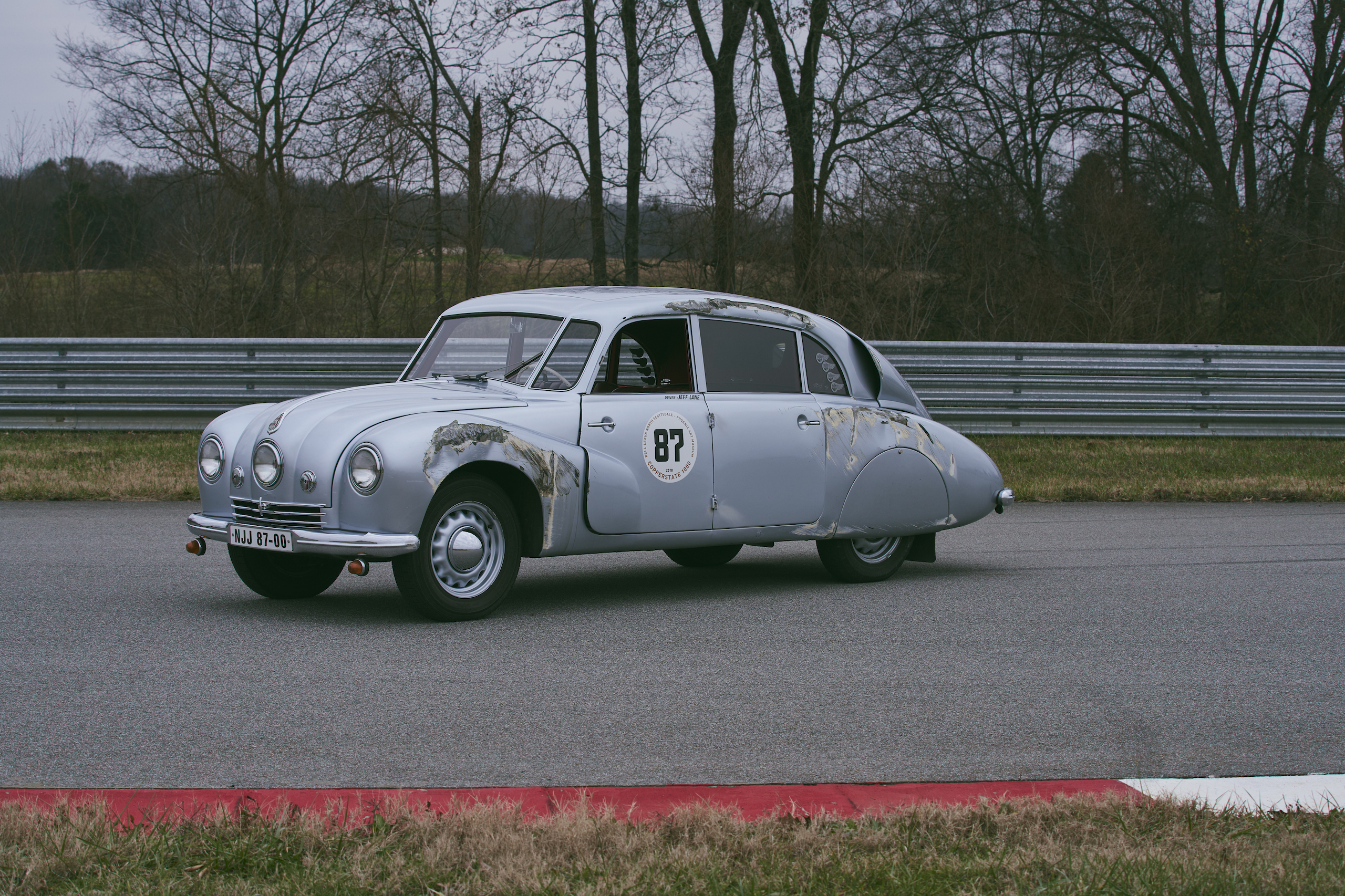 1947 Tatra T87 front three-quarter crash damage