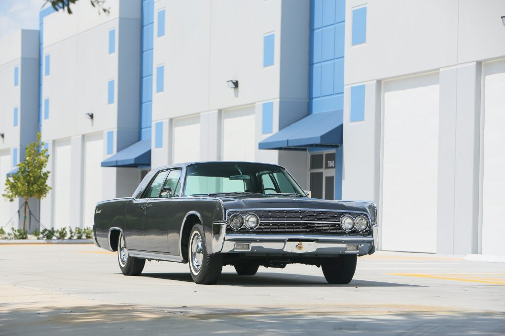 1962 Lincoln Continental front three-quarter
