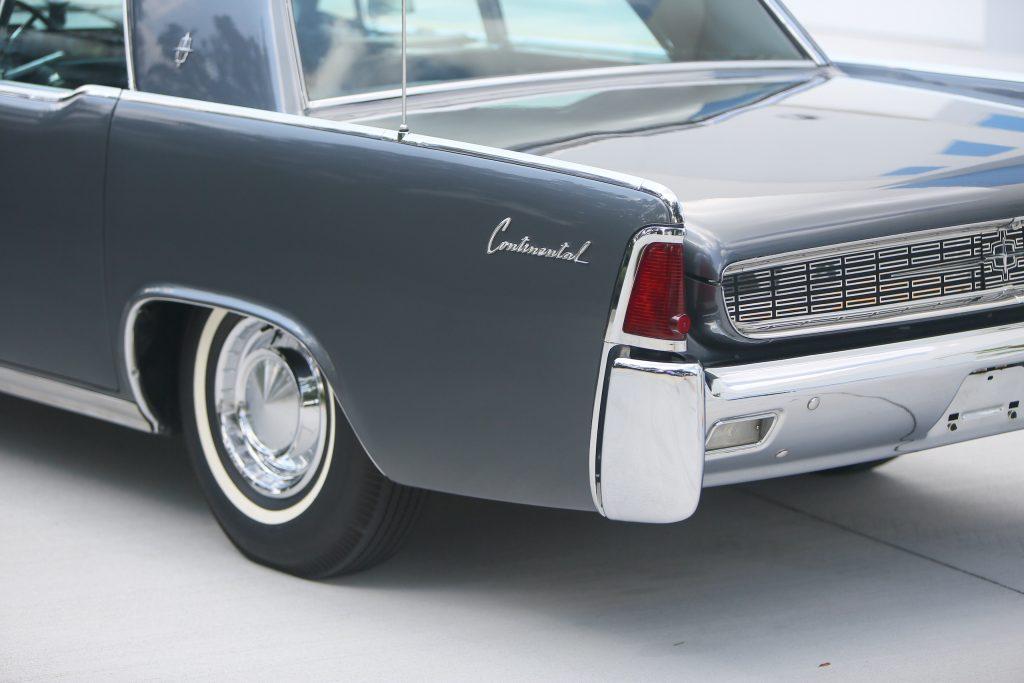 1962 Lincoln Continental rear corner close