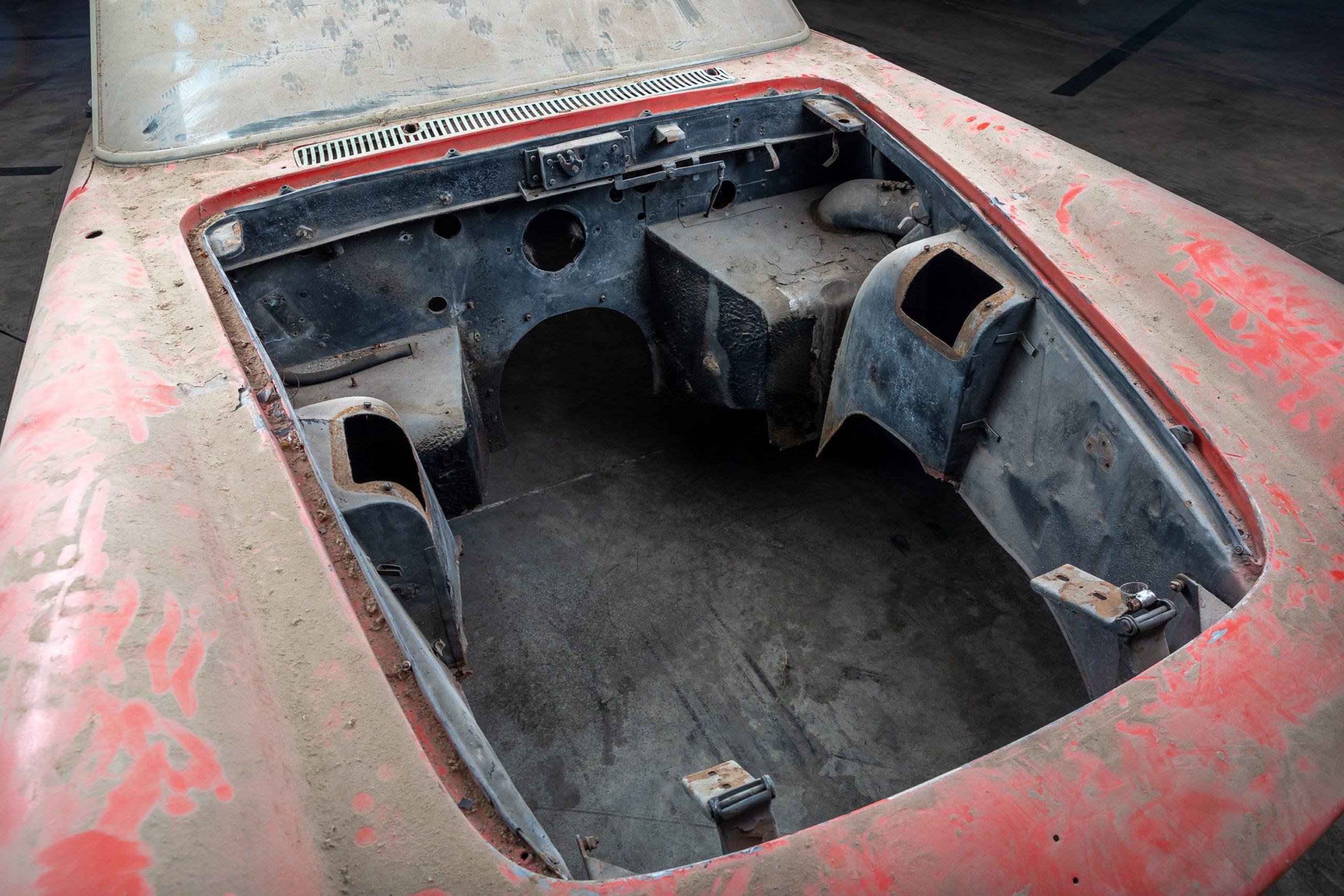 Ferrari 250 GTE Body engine bay