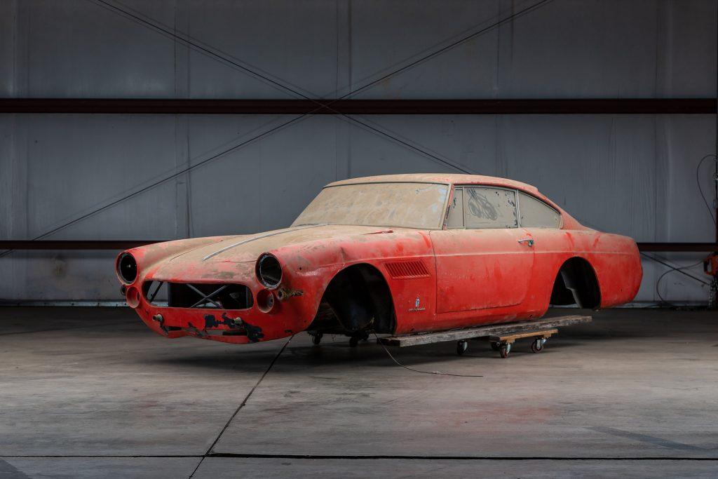Ferrari 250 GTE Body front three-quarter