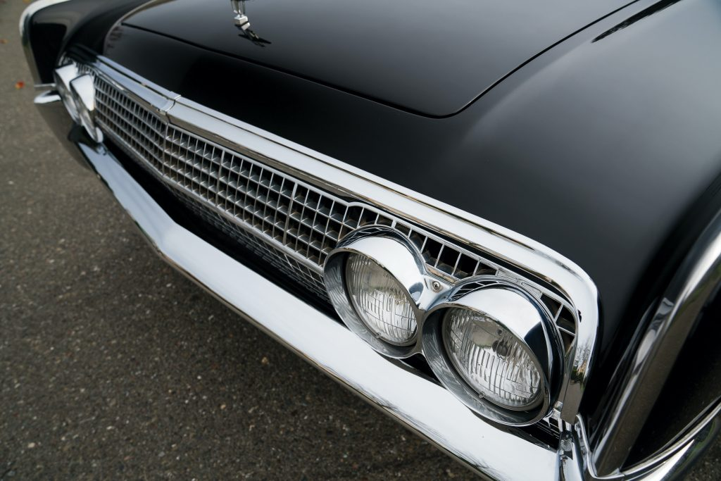 1963 Lincoln Continental front grille