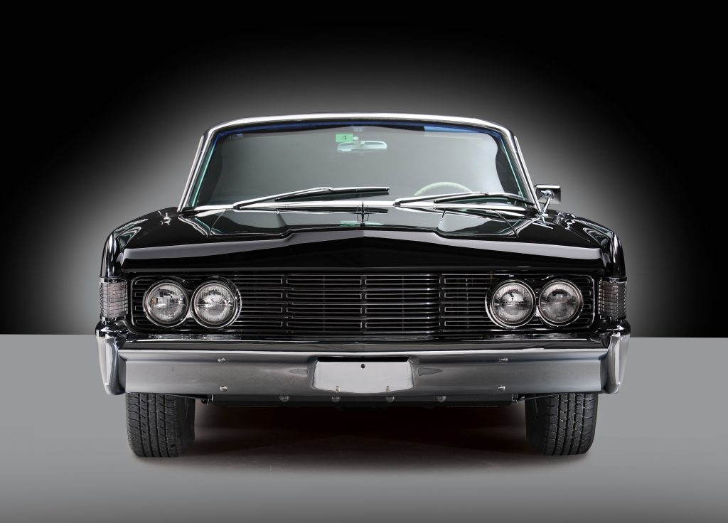 1965 Lincoln Continental front
