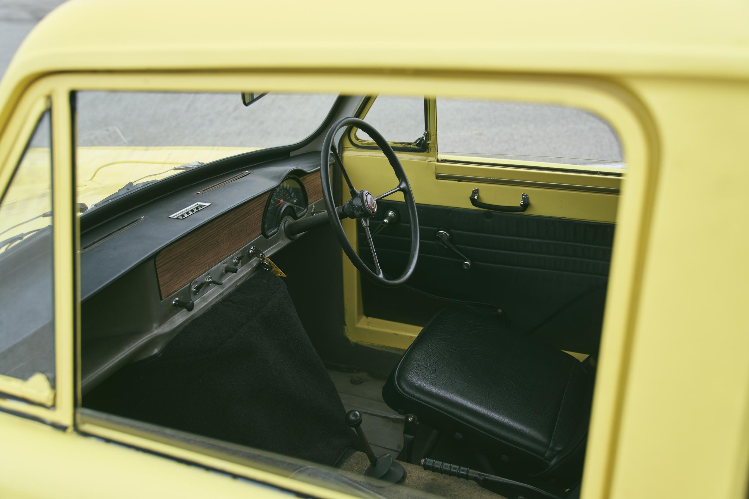 1971 Reliant Regal 330 interior