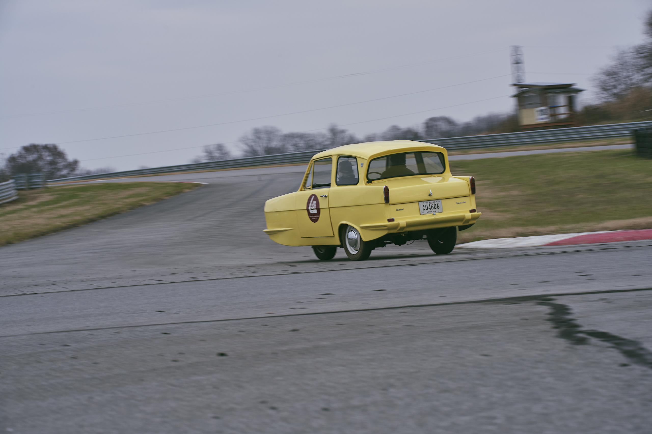 1971 Reliant Regal 330 rear three-quarter driving action