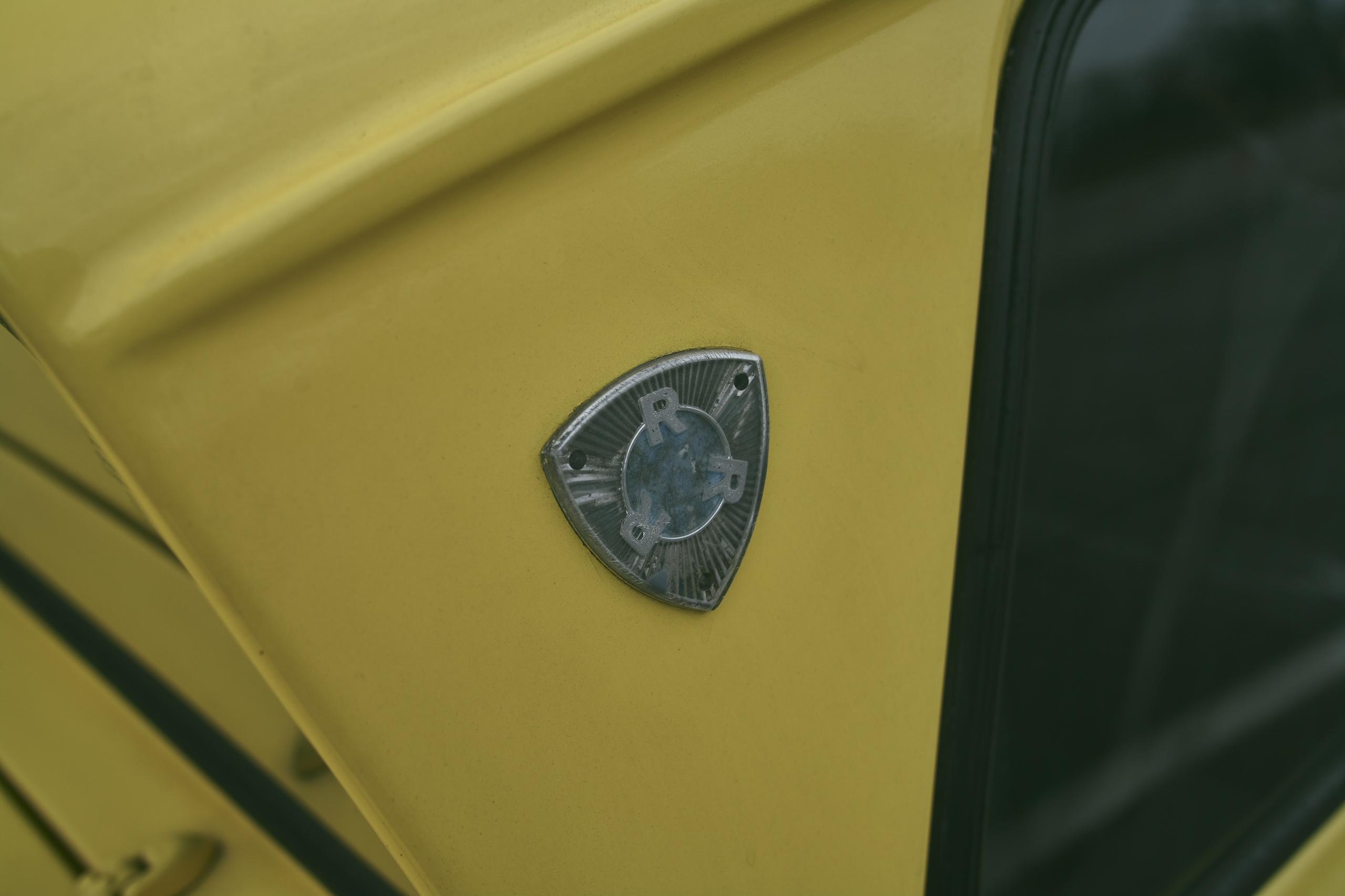 1971 Reliant Regal 330 badge detail