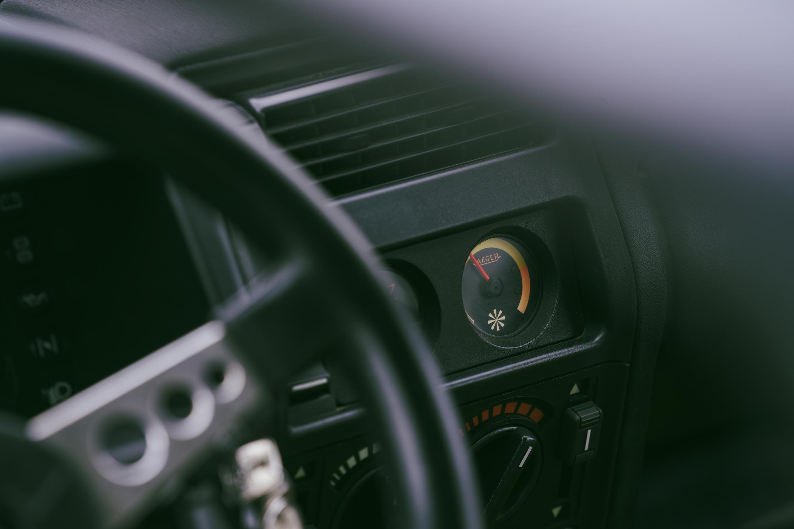 1985 Renault R5 Turbo 2 interior temp detail