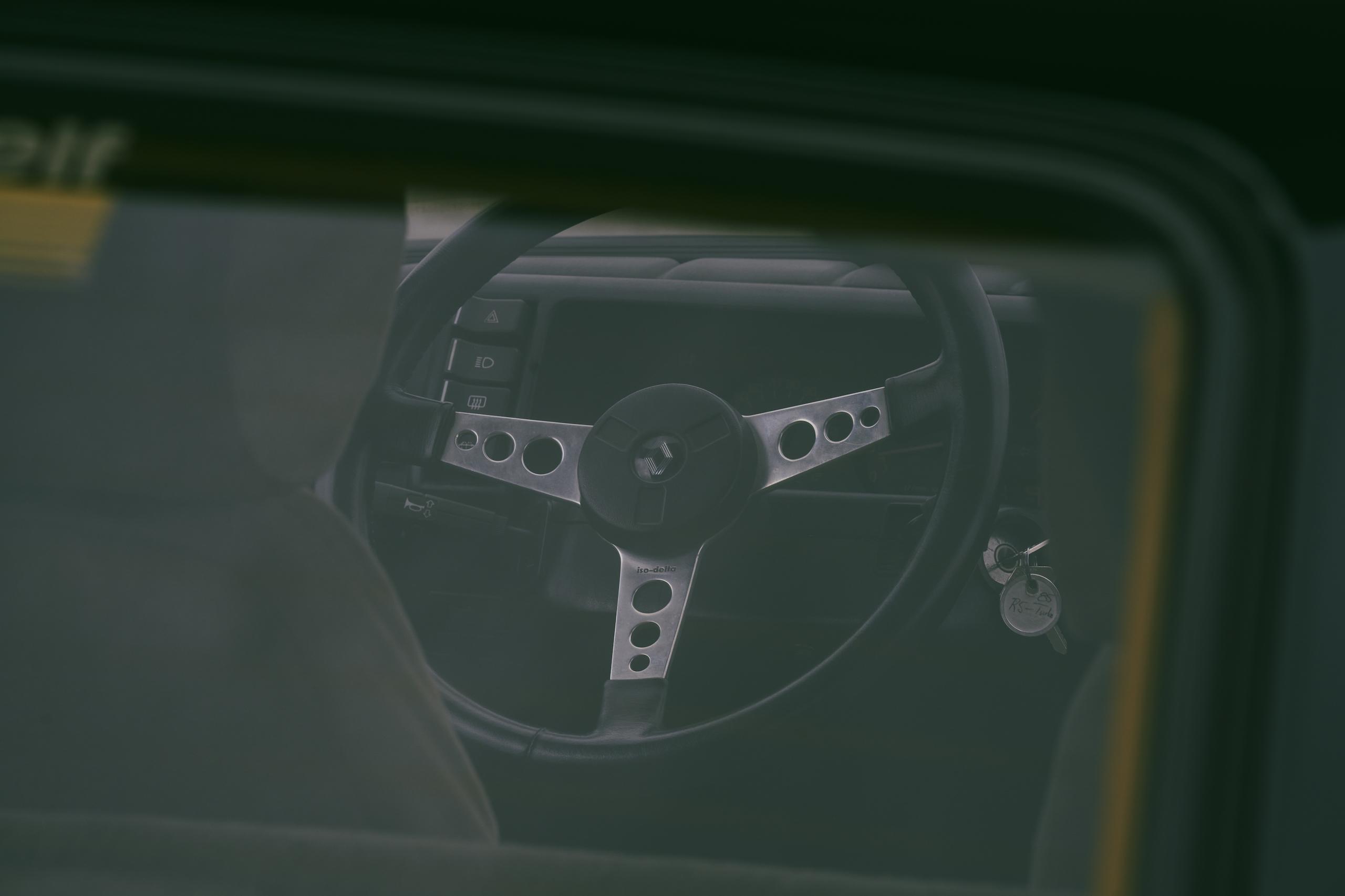 1985 Renault R5 Turbo 2 front three-quarter steering wheel