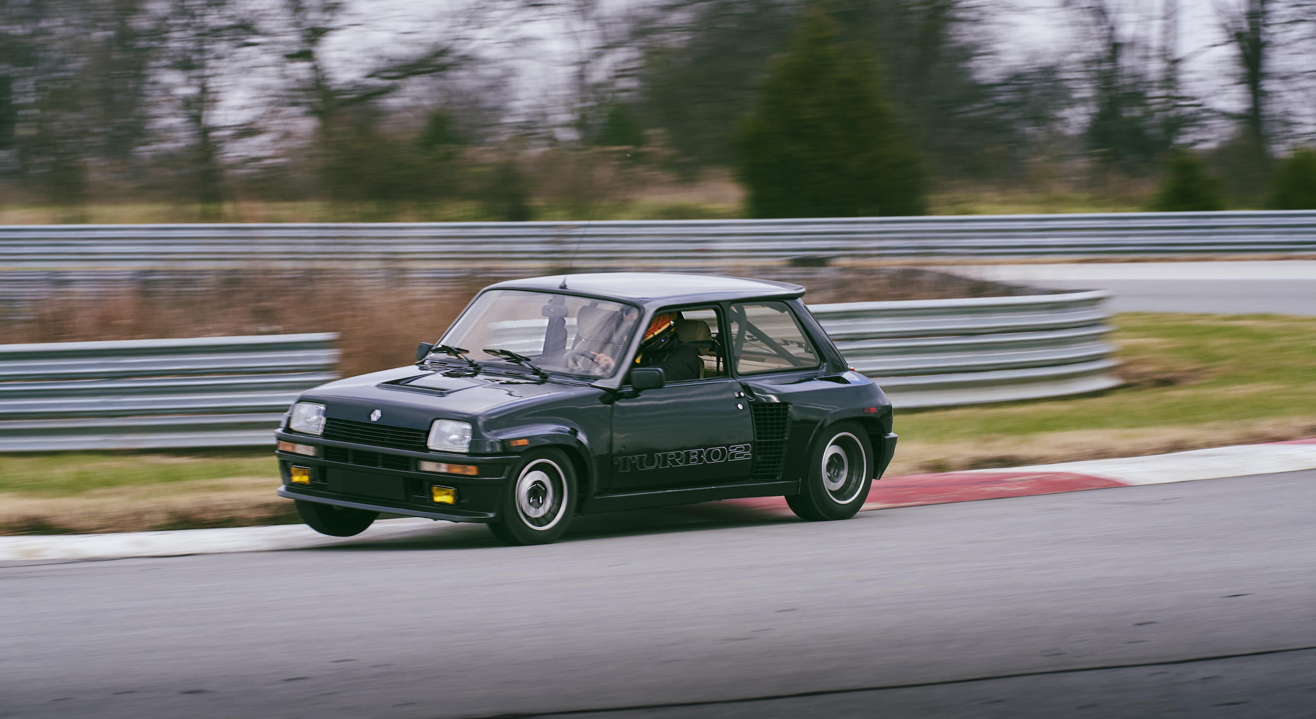 1985 Renault R5 Turbo 2 front three-quarter track action