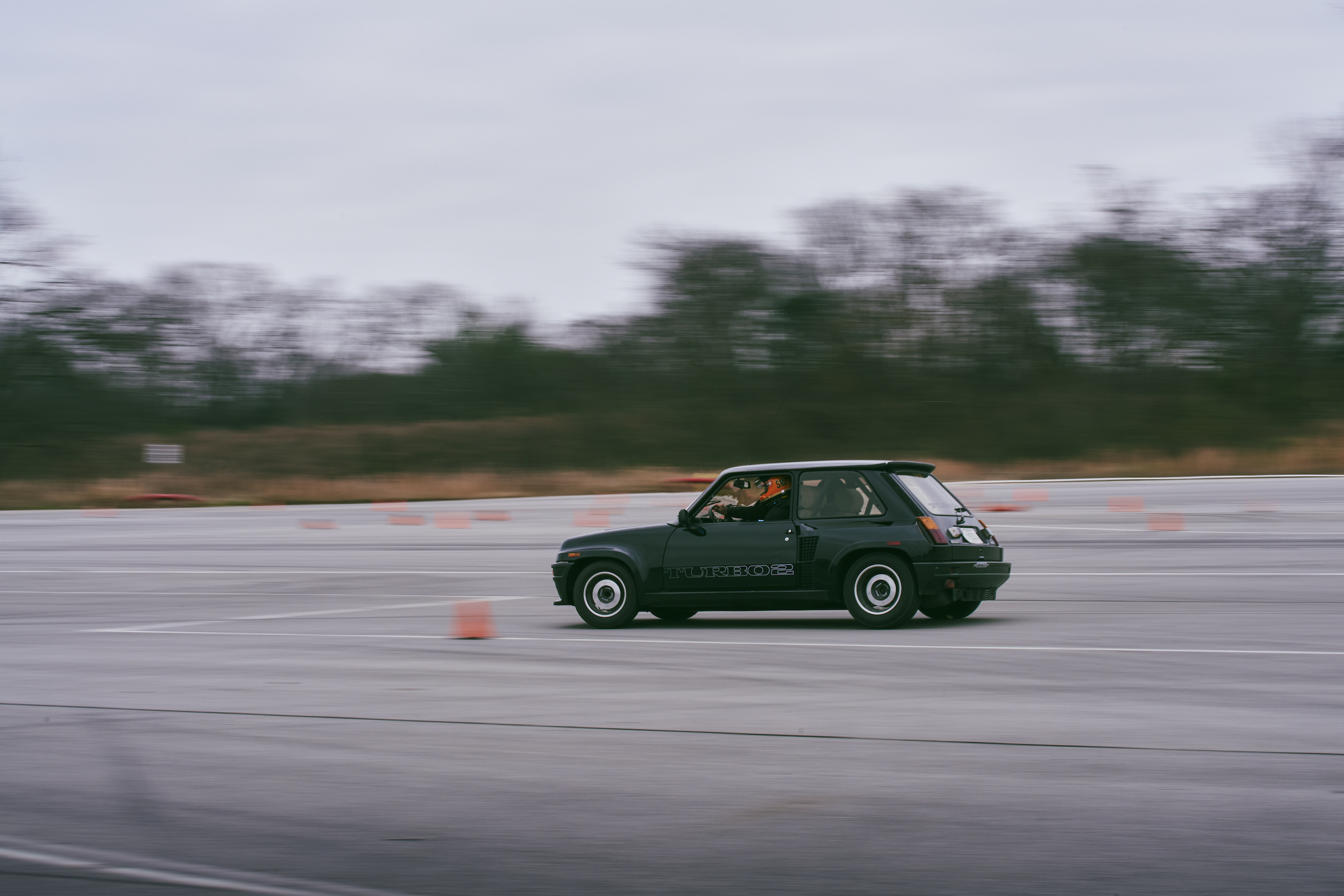 1985 Renault R5 Turbo 2 rear three-quarter track action