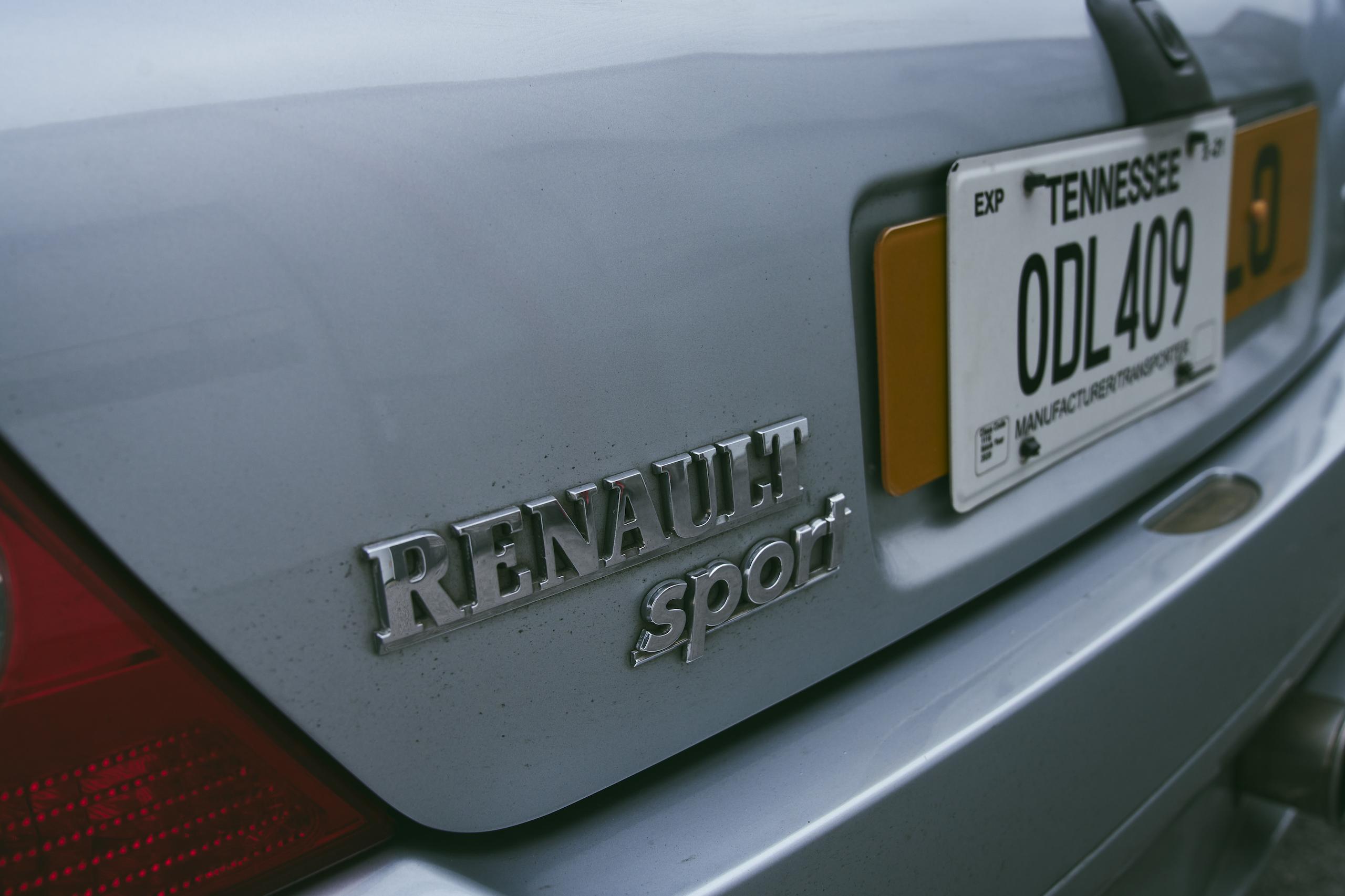 2002 Renault Clio V6 rear badge detail